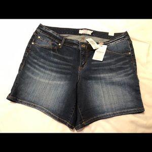 Torrid Size 2 Blue Jean Shorts NWT
